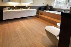 Badkamer met bamboe parket - natuurlijke look