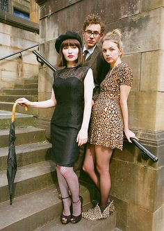 "a lot of good style inspiration in this movie. Olly Alexander, Emily Browning, Hannah Murray in ""God Help the Girl"" Director: Stuart Murdoch. Emily Browning, Party Fashion, 90s Fashion, Girl Fashion, Fashion Movies, Fasion, Hannah Murray, Olly Alexander, Gamine Style"