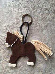 Cavallo in feltro portachiavi