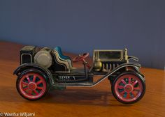 Vanha japanilainen mekaaninen peltiauto. Toimiva. Antique Cars, Antiques, Vehicles, Vintage Cars, Antiquities, Antique, Car, Old Stuff, Vehicle