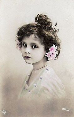 BEAUTIFUL GIRL PORTRAIT, FLOWER IN HAIR, TINTED EDWARDIAN RP.