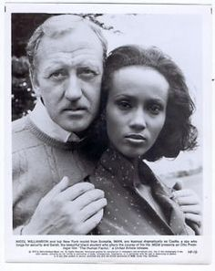 Nicol Williamson holds Iman in a scene from the film 'The Human Factor' 1979 Alexandria Jones, Iman Bowie, Iman Model, Press Photo, Vintage Glamour, Pebble Art, David Bowie, Covergirl, Factors