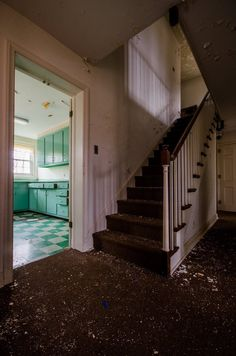 Abandoned Houses, Abandoned Places, Stairs, Home Decor, Abandoned Homes, Stairway, Staircases, Interior Design, Ladders