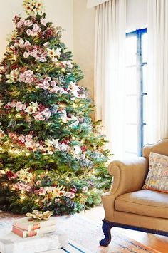 Inside Our Editor-at-Large's Elegant Holiday Party via beautiful tree Christmas Tree Flowers, Beautiful Christmas Trees, Noel Christmas, Pink Christmas, Xmas Tree, All Things Christmas, Christmas Tree Decorations, Holiday Decor, Preppy Christmas