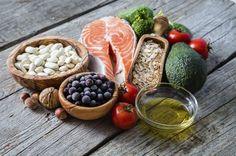 Pancia piatta in un mese? Con la dieta giusta, si può! Basta eliminare cibi che gonfiano e fermentano a vantaggio di un'alimentazione sana e ricca di fibre...
