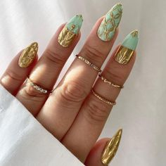 Gold Glitter Nail Polish, Gold Nail Art, Gold French Tip, Gold Nail Designs, Gem Nails, Mint Gold, Nail Brushes, Pastel Nails, Gel Color