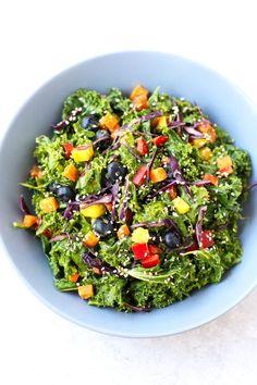Oil-free rainbow kale salad | simpleveganblog.com #vegan #oilfree #healthy