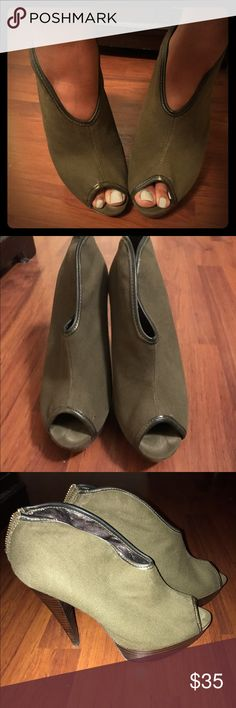Sexy olive green peep toe booties! Denim material! Versatile olive green peep toe booties made with denim fabric for a unique look! Size 8.5 and comfy! 4.5 inch heel. Worn 1-2 times. As you can see the bottoms are intact. Sexy sexy! Make an offer! Bakers Shoes Ankle Boots & Booties