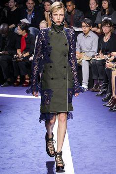 Sacai Spring 2015 Ready-to-Wear Fashion Show - Edie Campbell (Viva)