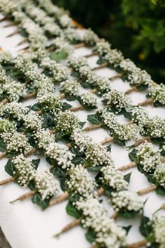 Gartenhochzeit in den Bergen Garden wedding in the mountains Little Gardens, Small Gardens, Diy Wedding Flowers, Garden Wedding, Wedding Blog, Dream Wedding, Wedding Design Inspiration, Florida Gardening, Lavender Garden