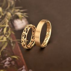 Indian Wedding Rings, Classic Wedding Rings, Wedding Rings Vintage, Gold Wedding Rings, Wedding Ring Bands, Engagement Rings Couple, Beautiful Engagement Rings, Couple Rings, Gold Earrings Designs