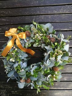 Christmas wreath with eucalyptus, box wood and honeywort.