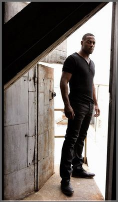 IDRIS...ohhh this man...he may not be a recipe but he makes me say yummm yummm anyway lol <3