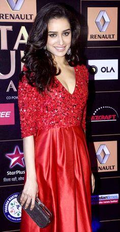 Shraddha Kapoor at the Star Guild Awards 2015.