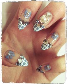Blue Hime/ Gyaru nails