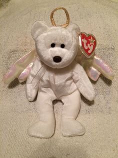 20 Valuable Beanie Babies That Are Worth A Fortune Beanie Babies Worth Money, Expensive Beanie Babies, Valuable Beanie Babies, Rare Beanie Babies, Beanie Baby Bears, Original Beanie Babies, Beanie Babies Value List, Beenie Babies, Ty Stuffed Animals