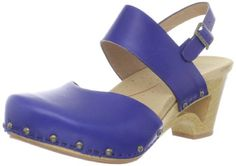thea ankle-strap clog