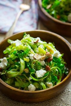 Shaved Asparagus Salad with Goat Cheese and hazelnuts | low carb, primal and gluten-free | http://healthyseasonalrecipes.com
