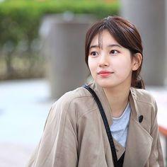 I love her in While you were sleeping k-drama! Bae Suzy, Cute Korean Girl, Asian Girl, Korean Beauty, Asian Beauty, Suzy Drama, Miss A Suzy, Idole, Beauty