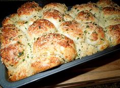 Melissa's Southern Style Kitchen: Garlic-Parmesan Cheese Pull Apart Bread [Using Rhodes frozen yeast rolls]