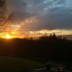 This was our sunset last night complete with snow flurries that cant be seen in the picture. We woke up to a beautifully sunny but cold day. We had snow flurries all day but so far it hasnt stuck. Lower temperatures and more snow predicted for tomorrow. #home2kenmare #escapetoliving #bearapeninsula