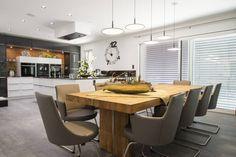 Das Interior Design dieser modernen Villa schafft den Spagat zwischen cool und glamourös, zwischen extravagant und gemütlich.