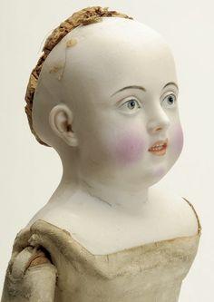 164: Rare Portrait Huret Fashion with Intaglio Eyes : Lot 164