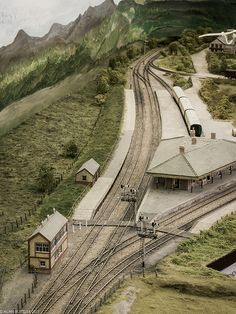 A quiet moment at Barmouth Junction N Scale Model Trains, Model Train Layouts, Scale Models, Train Info, Escala Ho, Train Miniature, Model Railway Track Plans, Ho Trains, Quiet Moments