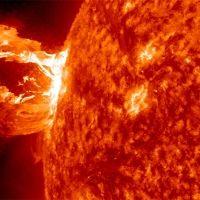 Tormenta solar inicia con impacto 'modesto' a la Tierra