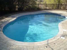 Learn the top 4 Vinyl Liner pool problems with this article and solutions to cure the issues.
