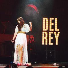 Lana performing at 'Centre Bell', Montreal, Canada (Jun. 04, 2015) #TheEndlessSummerTour