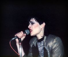 Some girls wander by mistake. Siouxsie Sioux, Siouxsie & The Banshees, Paradise Places, Kurt And Courtney, Louise Brooks, One Wave, Cinema, Hey Good Lookin, The Clash