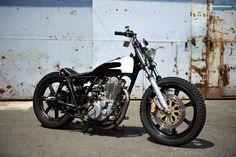 SNUG MOTORCYCLE / YAMAHA SR