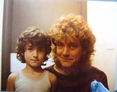 Robert Plant of Led Zeppelin with his son Logan Beautiful Men, Beautiful People, Classic Blues, Robert Plant Led Zeppelin, John Paul Jones, John Bonham, Greatest Rock Bands, Jimmy Page, Rolling Stones