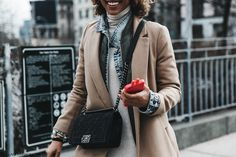 NYFW-New_York_Fashion_Week-Fall_Winter-17-Street_Style-Layers-Camel_Coat-