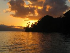 Viaje a Costa Rica - Playa nicuesa atardecer by Tarannà Expedicions, via Flickr