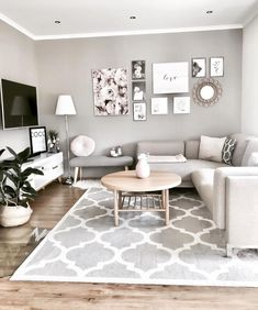 42 brilliant solution small apartment living room decor ideas and remodel 22 Living Room Carpet, Living Room Grey, Home Living Room, Interior Design Living Room, Living Room Decor, Small Living Room Designs, Small Living Rooms, Small Apartment Living, Sweet Home