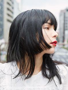Asian Short Hair, Girl Short Hair, Japanese Short Hair, Japanese Haircut, Kawaii Hairstyles, Pretty Hairstyles, Medium Hair Styles, Curly Hair Styles, Poses References