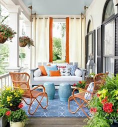 Coastal Porch Decor Ideas... http://www.completely-coastal.com/2015/06/coastal-summer-porch-decor-ideas.html