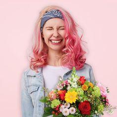"""Topbloemen.nl op Instagram: """"Word jij ook zo blij van het voorjaar? Wij in ieder geval wel! Bekijk nu onze nieuwe voorjaarsboeketten via de link in bio.  #topbloemen…"""" Tango, Long Hair Styles, Beauty, Instagram, Tops, Fashion, Moda, Fashion Styles, Long Hairstyle"""