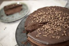 Å, hvilken kake! Dette må jo være den ultimate kaken for alle som har en Den, Goodies, Desserts, Cakes, Food, Sweet Like Candy, Tailgate Desserts, Deserts, Gummi Candy