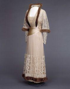 Dress | Norwegian | 1916 | silk, cotton, fur | National Museum | Identifier #: OK-1991-0180