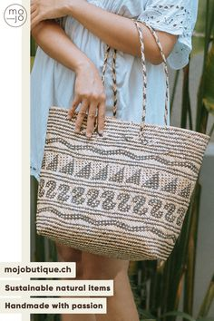 CHF29 · May we present you our traditional bag from Kalimantan? It is made of pandan grass🌿. #handmadebags #uniquebag #beachbag #bohobag #roundbag #strawbag #beachbag #raffiabags #fashionhandmade #gypsybag #naturalbag