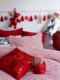 Christmas bedding: red & white stripes