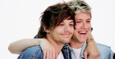 Louis Tomlinson breaks the 'chonce' news to a clueless Niall Horan Niall Horan Gif, Niall Horan Baby, Zayn, Naill Horan, Louis Tomlinson, Fanfiction, Best Song Ever, Best Songs, Louis Et Harry
