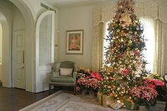 Dallas TX: The DeGolyer Estate - traditional - Living Room - Dallas - Sarah Greenman