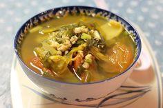 Canh hến nấu dưa cải chua - http://congthucmonngon.com/12956/canh-hen-nau-dua-cai-chua.html
