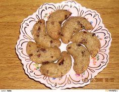 Maminčiny vánoční rohlíčky Cookies, Desserts, Crack Crackers, Tailgate Desserts, Deserts, Cookie Recipes, Postres, Dessert, Biscotti