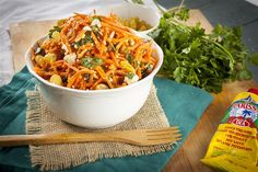Spicy Moroccan Carrot Salad with Harissa Lemon Dressing Low Carb Recipes, Vegetarian Recipes, Moroccan Carrots, Carrot Salad, Shakespeare, Macaroni And Cheese, Delish, Spicy, Salads