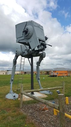 Star Wars Fan Builds an Incredible Life-Size AT-ST Walker From Timber Plastic and Scrap Metal - Star Wars Models - Ideas of Star Wars Models - Star Wars Fan Builds Incredible Life-Size AT-ST Walker From Timber Plastic and Scrap Metal Star Wars Ships, Star Wars Art, Paintball, Decoracion Star Wars, Star Wars Crafts, Star Wars Models, Sculpture, View Photos, The Incredibles